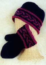 Hat and mitten with braided edges